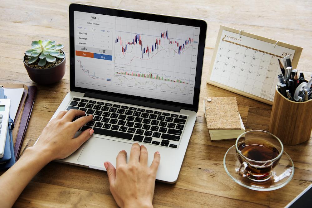 基本編1|FXとは?FXの歴史や他の金融商品との違い